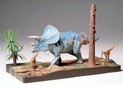 1/35 Diorama dinozaur triceratops Tamiya 60104