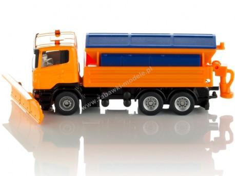 Piaskarka Scania z pługiem